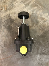 Load image into Gallery viewer, Fairchild Pneumatic Pressure Regulator 10263C