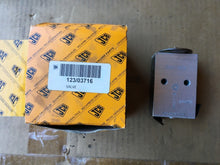 Load image into Gallery viewer, JCB VALVE 123 03716 329-452 561809604 r-134 123/03716 123-03716