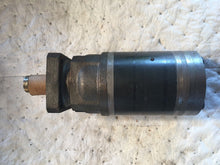 Load image into Gallery viewer, Ross Hydraulic pump Torqmotor  011 95 MG390