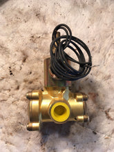 Load image into Gallery viewer, SKINNER HONEYWELL LP3-L-B4150 SOLENOID VALVE LP3LB4150