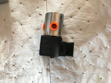 "Load image into Gallery viewer, PARKER 2-WAY NORMALLY CLOSED, 1/8"" NPT SOLENOID VALVE 7131TVN2NV00N0D1D1C2"