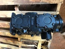 Load image into Gallery viewer, Sauer Danfoss Pump 4525054 4TR41BNG3NX501383 8N2241BNG3NX50138 38N22D2HLNNBARNNN