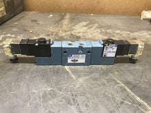 Load image into Gallery viewer, Mac Solenoid Valve 825C-PM-111JD-652 with PME-111JM