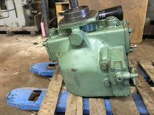 Load image into Gallery viewer, Linde PV 140 PV140 Hydraulic Pump - Reman - Pump face has minor damage