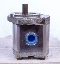 Load image into Gallery viewer, Rexroth Gear Pump R 979 029 079 R979029079 13w03-7362 P1302500-014