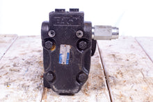 Load image into Gallery viewer, Eaton Char-Lynn 104-3761-006 Hydraulic Motor