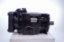 Load image into Gallery viewer, Danfoss A181941867 Pump 83012235 JRLS45BLS250NNN 3S1CFA2nnnnJJJnnN