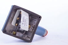 Load image into Gallery viewer, United Electric Controls H100-194 95331 Pressure Switch