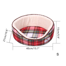 Load image into Gallery viewer, Plaid Pet Bed