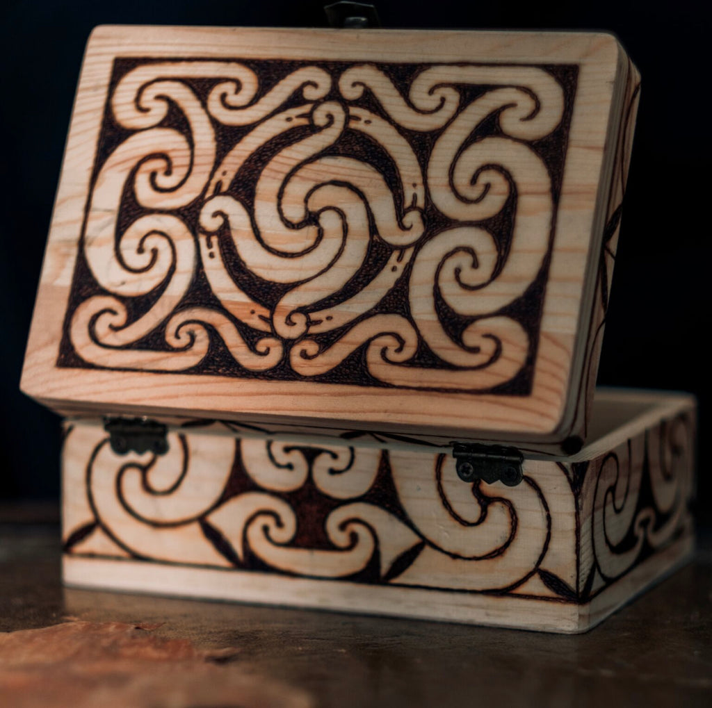 Villkat Arts, pyrography, Celtic art, Northern Fire, celtic artist, back and top, celtic sunwheel, sun wheen, wooden box