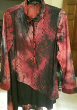 Load image into Gallery viewer, Cativa Amber Long Sleeve Button Down Tunic
