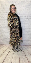 Load image into Gallery viewer, Plus Size Tiger Duster Long Sleeve and Pockets