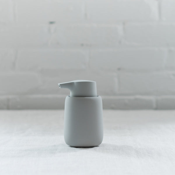 soap dispenser - blomus - sono soap dispenser - blomus - german made