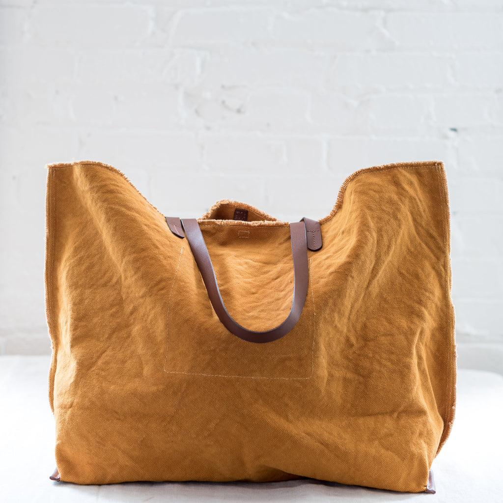 tote - purse - bag - natural material - canvas - cotton - leather - natural materials - beach bag