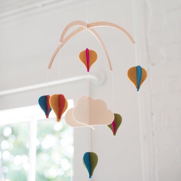 baby mobile - felt - wool - balloon mobile