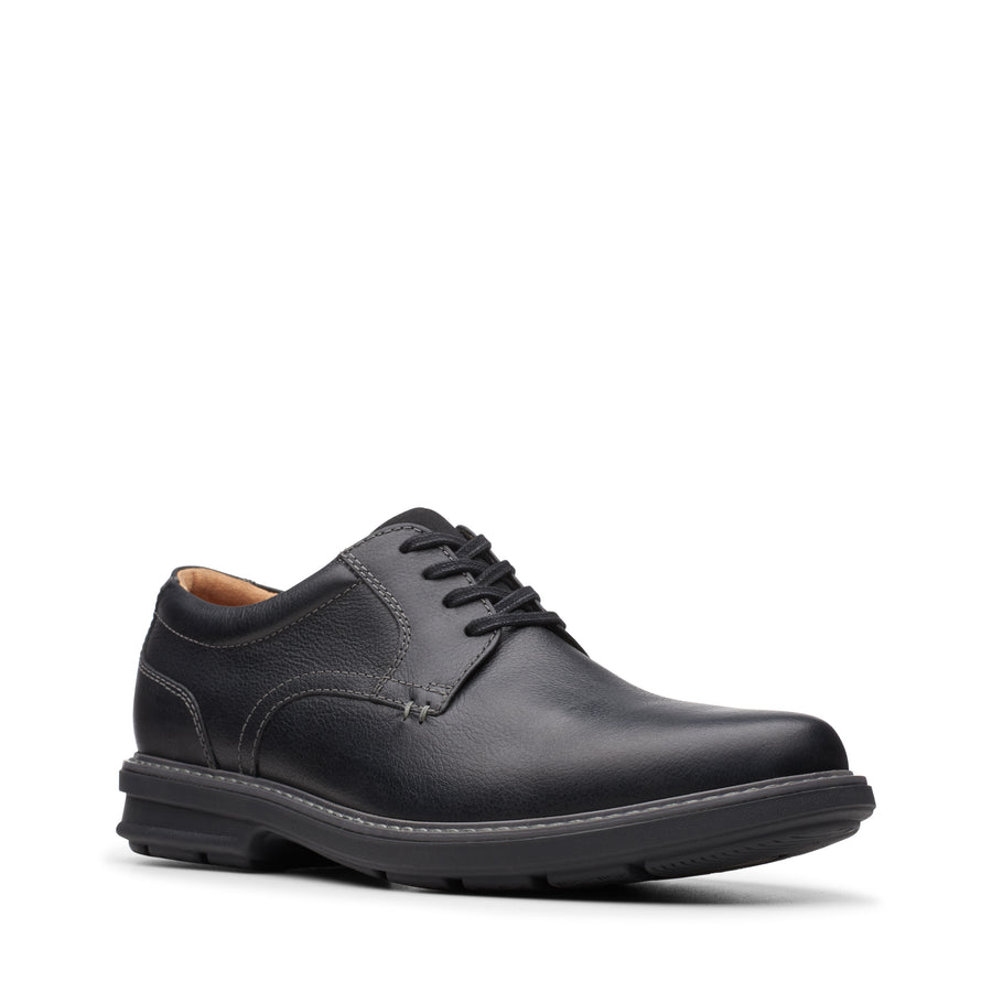 Rendell Plain Oxford in Black Leather (Size 8 Medium) by Clarks