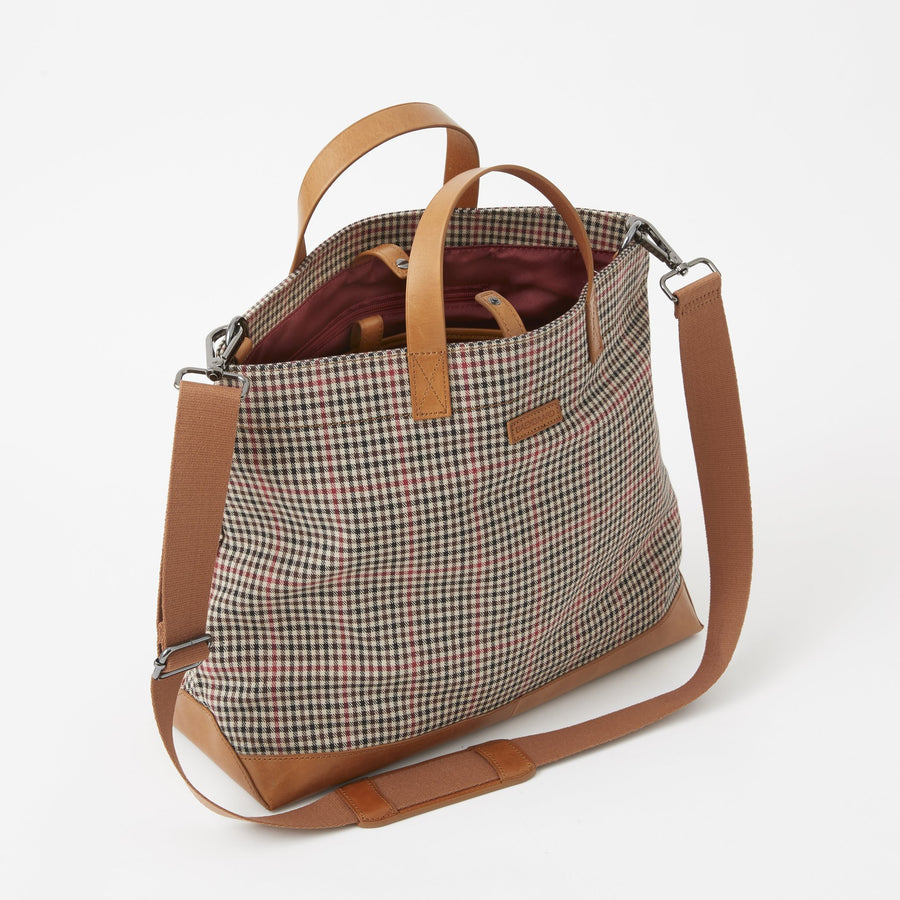 Oliver Metro Tote in Cotton Tattersall Plaid by Baekgaard