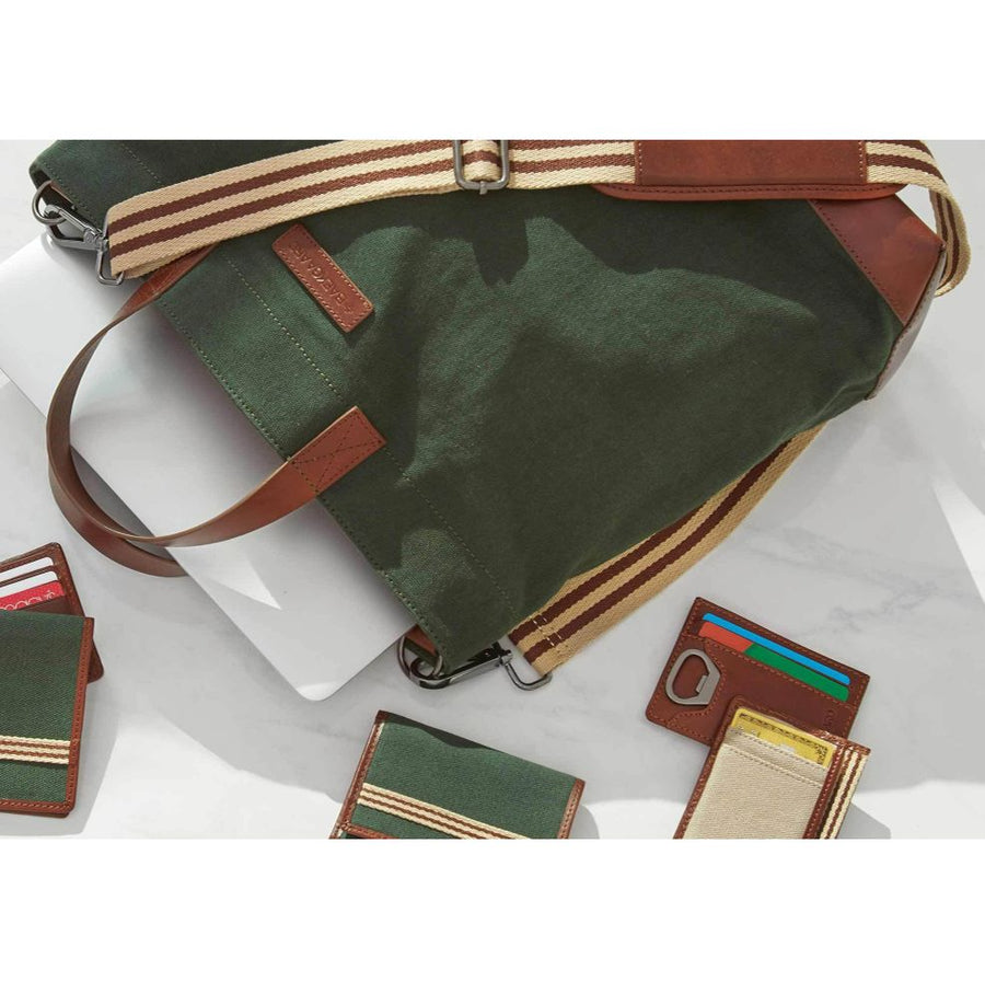Oliver Canvas Metro Tote in Racing Green by Baekgaard