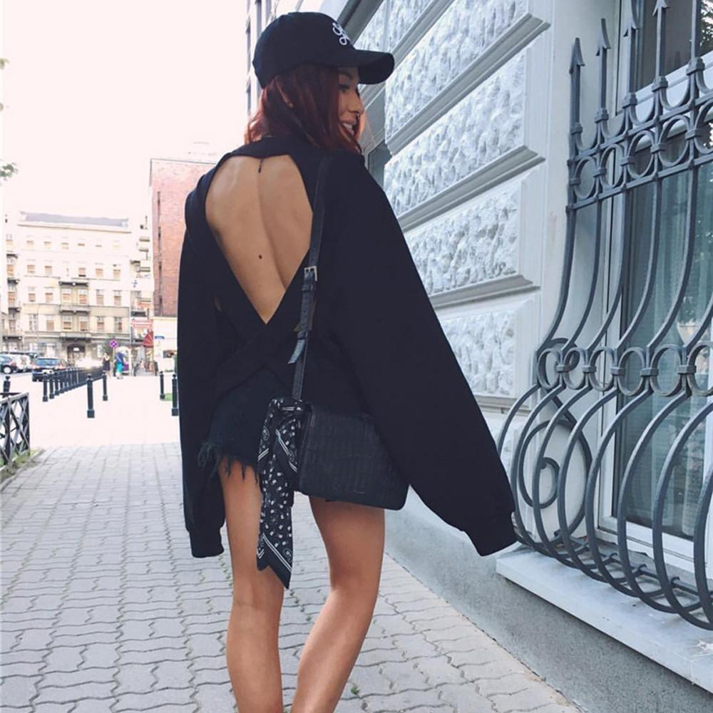 Loose-Fit Crossed Back Sweatshirt