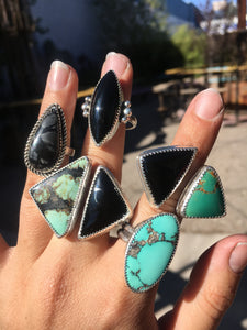 Green Royston and black onyx ring - size 8-9