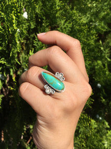 Turquoise ring with loop details - size 6.5