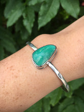 Load image into Gallery viewer, Simple green Royston turquoise cuff