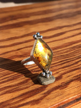 Load image into Gallery viewer, Glowy Mexican amber diamond ring - size 6.5