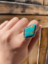 Load image into Gallery viewer, Kingman Turquoise Beaded Kite Ring—size 7.5
