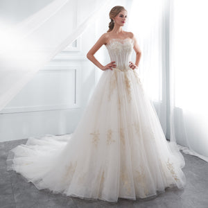 Off Shoulder Sleeveless A Line Wedding Dresses With Lace Applique
