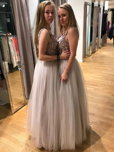 Grey Sleeveless Backless A Line Tulle Prom Dresses With Beaded - EVERISA