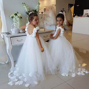 White Sleeveless Backless Lace Appliques A Line Flower Girl Dresses