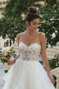 Elegant Sweetheart Sleeveless Backless Wedding Dress Lace Bridal Gown - EVERISA