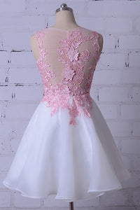 Round Neck Sleeveless Homecoming Dresses Lace Appliques Cocktail Dresses