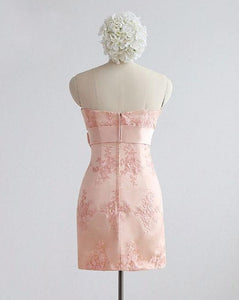 Pink Sweetheart Sleeveless Lace Applique Short Bridesmaid Dresses