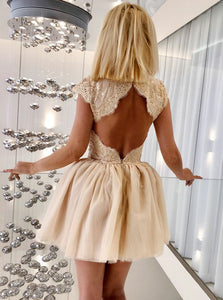 Cap Sleeve Open Back Homecoming Dresses Lace Applique Cocktail Dresses