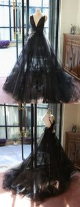 Black V Neck Sleeveless Backless Wedding Dresses With Lace Appliques
