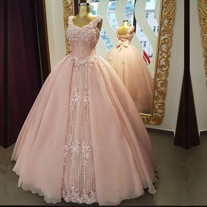 Pink V Neck Sleeveless Lace Appliques Prom Dresses Backless Sweet 16 Dresses