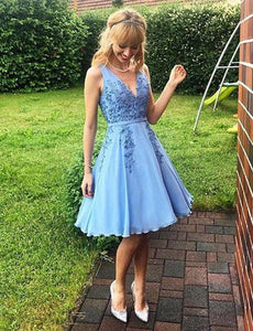 Blue V Neck Sleeveless A Line Homecoming Dresses With Lace Appliques