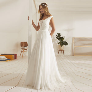 Cheap V Neck Sleeveless Backless Tulle Wedding Dresses With Lace