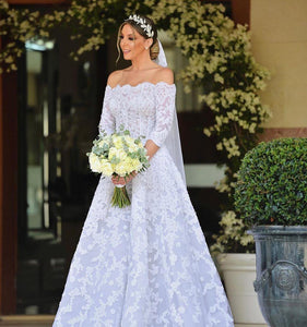 Scalloped Neckline 3/4 Sleeve Lace Applique A Line Wedding Dresses