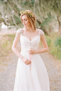 2018 White Sweetheart Cap Sleeves Empire Chiffon Wedding Dresses Bridal Gown - EVERISA
