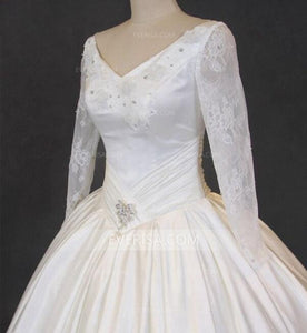 A line Wedding Dresses White Long Sleeves Open Back Bridal Gown With Lace Appliques - EVERISA