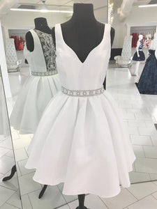 V Neck Sleeveless Short Homecoming Dresses Cheap Cocktail Dresses With Beaded - EVERISA