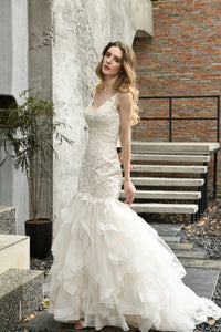 V Neck Sleeveless Backless Lace Applique Mermaid Wedding Dresses