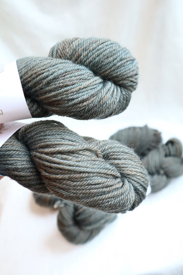 Naturally Dyed Yarn / Worsted / Indigo & Blackwalnut