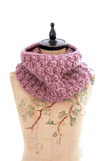 Learn to knit a cowl in the round