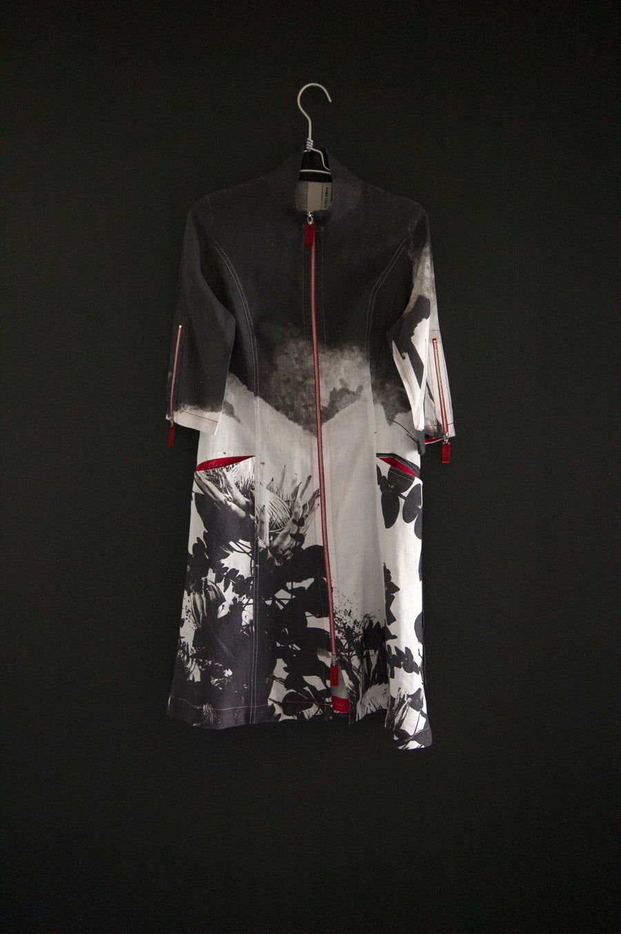 APPAREL | SOTI DRESS | BLACK PROTEA PRINT