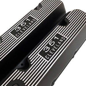 ansen usa, ford 351 cleveland valve covers, die-cast logo, black, angled view