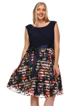 Load image into Gallery viewer, Women's Plus Size A-Line Waist Tie Printed Dress