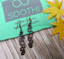 Load image into Gallery viewer, Vertical Chandelier Earrings